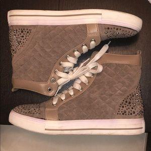 CUTE High top Sneakers